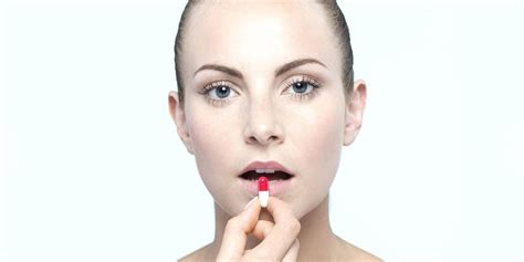 Roaccutane (isotretinoin): uses, dosage and side effects