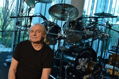 Alan White sits out Yes summer tour | Beatit