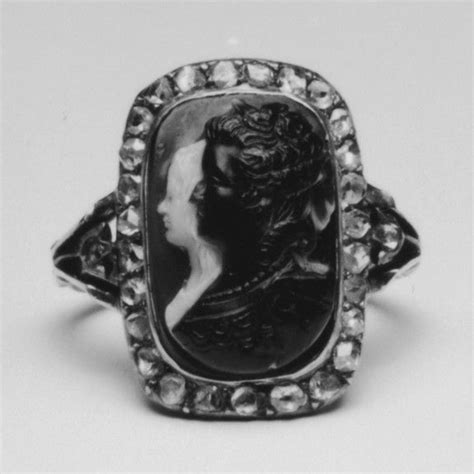 Cameo Ring with Marie Antoinette and her Son, the Dauphin